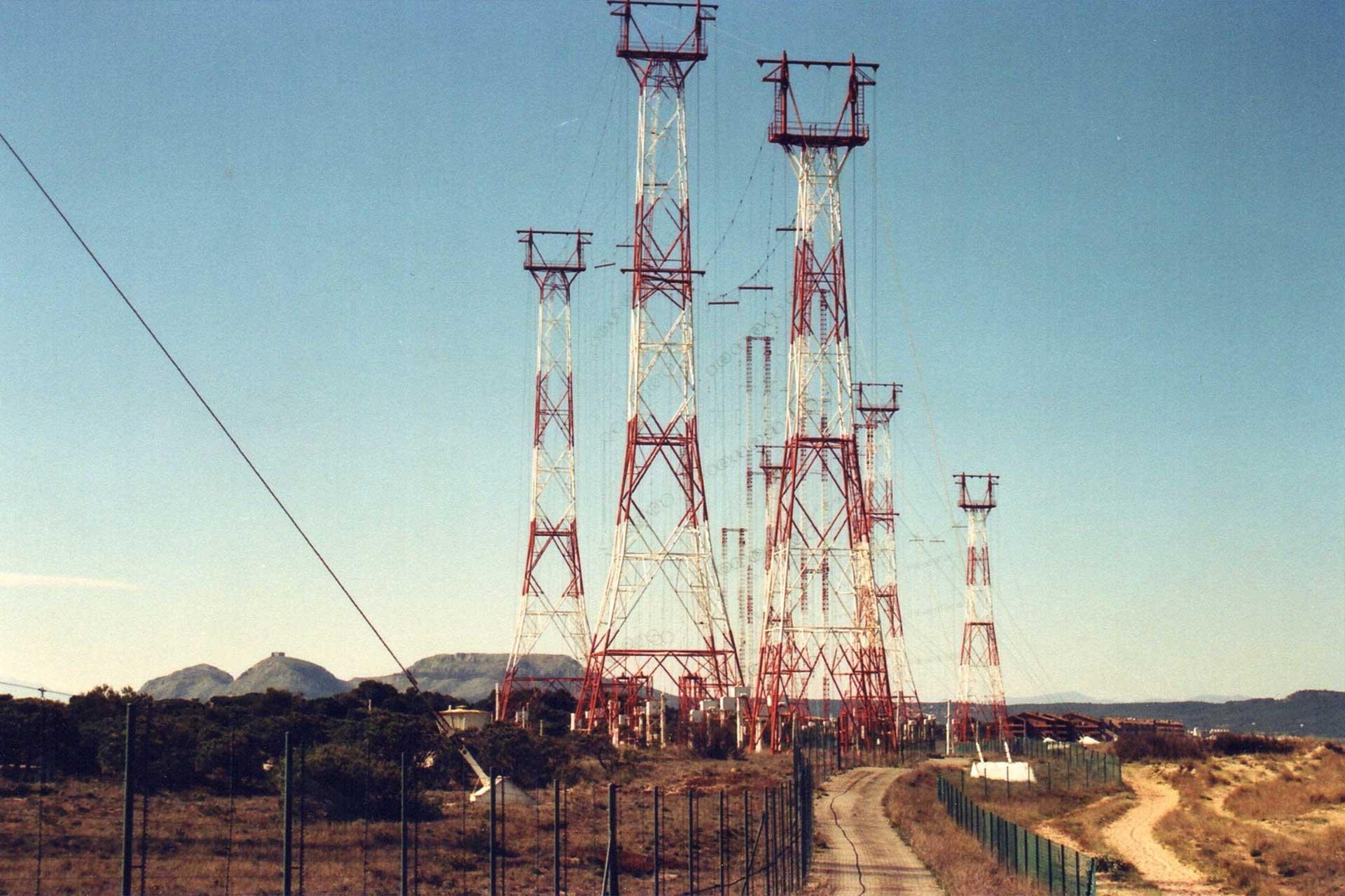 radio-liberty-amplificant-la-llibertat-des-de-la-platja-de-pals-antenas